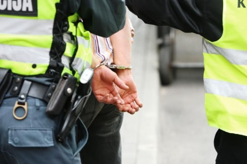 Jungtinėje Karalystėje sulaikytas metus ieškotas Kamuolinių grupuotės narys