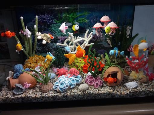 Pribloškiantis italės nertas akvariumas