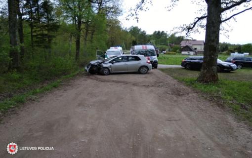 Kaišiadorių rajone automobilio nesuvaldė jaunas vairuotojas