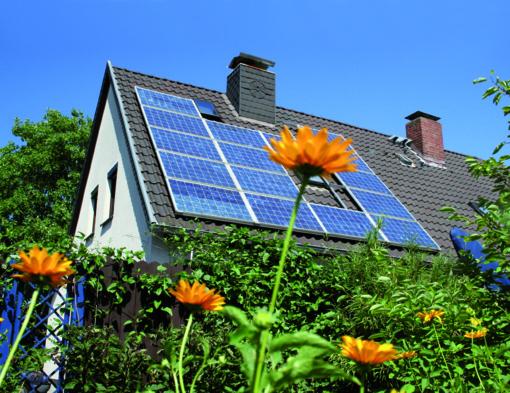 Jauna mama Monika: saulės elektrinė man padės sutaupyti pinigų