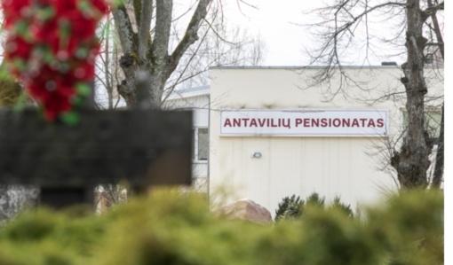 Virusas suvaldytas visuose globos namuose, išskyrus Antavilius, sako ministras