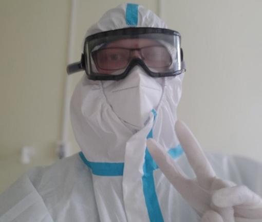 #PriešakinėseLinijose. Slaugytojas Darius Adomavičius apie laukiamą kovos su COVID-19 virusu pabaigą: manau, kad aplankys laisvės jausmas