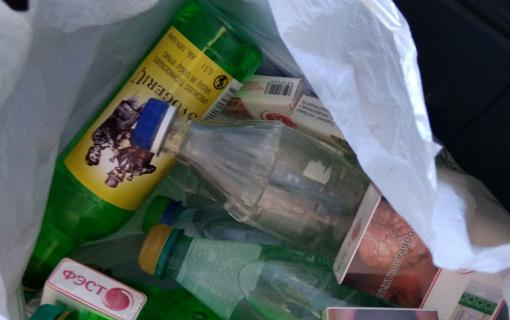 Išsisukti dėl kelių rastų alkoholio butelių norėjusiam vyrui gresia baudžiamoji atsakomybė