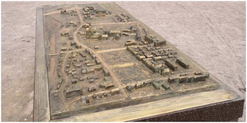 Kretingos miesto Rotušę papuošė mažosios architektūros elementas – taktilinis žemėlapis