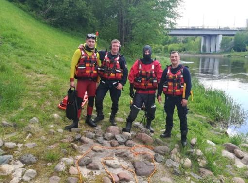Vietoj treniruotės vandenyje – tikra gelbėjimo operacija