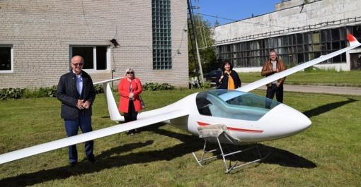 """Savivaldybės vadovai lankėsi UAB """"Sportinė aviacija ir ko"""""""