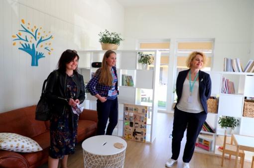 Kauno rajone įkurtuvės: duris atvėrė terapiniai namai šeimoms, auginančioms vaikus su raidos sutrikimais