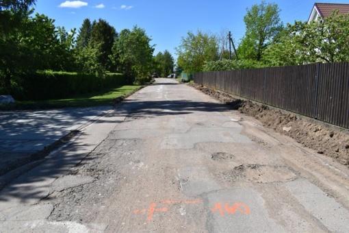 Prasidėjo asfaltavimo darbai Kabaldos kaimo Gėlyno gatvėje