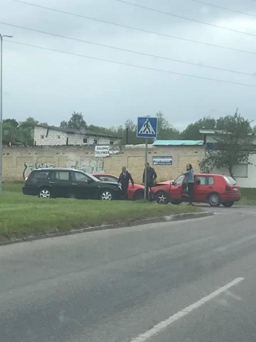 Alytuje susidūrus automobiliams nukentėjo moteris