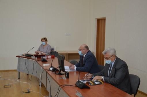 Posėdyje aptartas Pakruojo rajono savivaldybę garsinančių asmenų pagerbimas