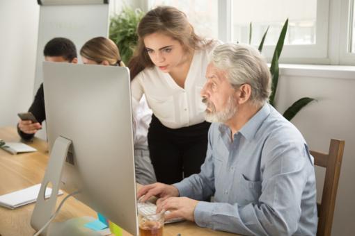 Valstybė labiau rems vyresnius darbuotojus