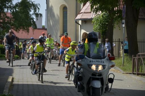 Tėvo dieną – tėčių ir vaikų dviračių žygis