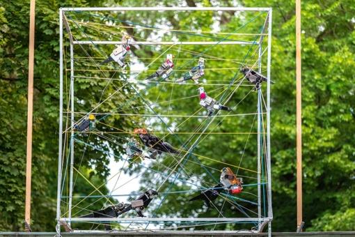 Vingio parko prieigose – unikali meninė instaliacija iš elektronikos atliekų