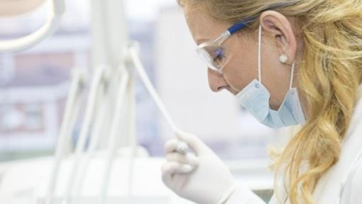 """Dėl odontologų adresu mesto šešėlio kalta VMI, teigia """"Žalgirio"""" klinikos vadovė"""
