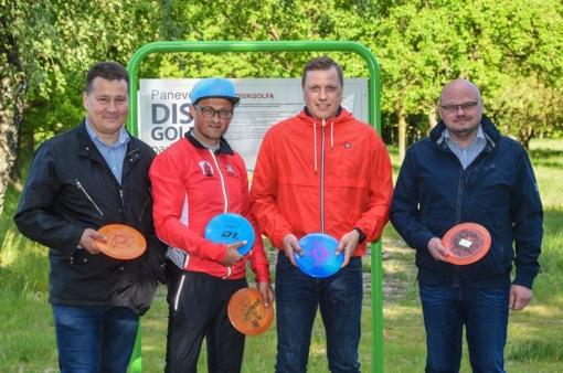 Panevėžio parke pristatytas diskgolfo žaidimas