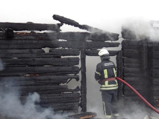 Molėtų rajone degė ūkinis pastatas