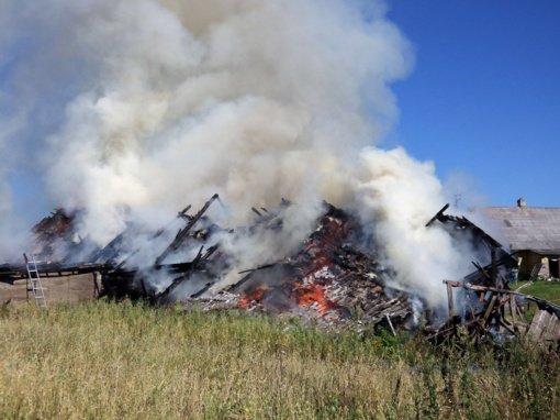 Tauragės rajone padegtas ūkinis pastatas