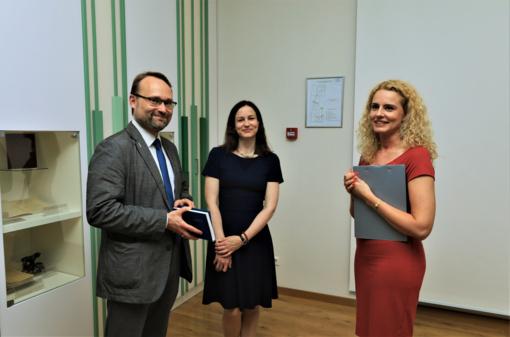 Kultūros ministras Kaune dalyvavo naujos Maironiui skirtos ekspozicijos atidaryme