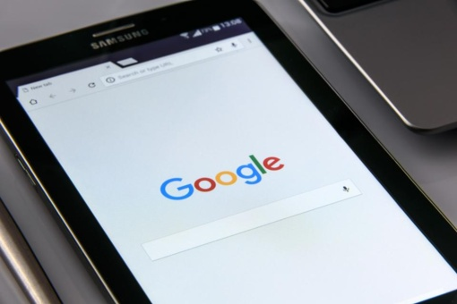 """""""Google"""" aiškinsis, kodėl iš paieškos rezultatų dingo W. Churchillio nuotrauka"""