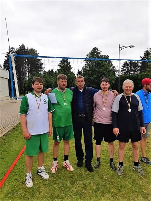 Seniūnijų sporto žaidynėse varžėsi tinklinio ir futbolo atstovai