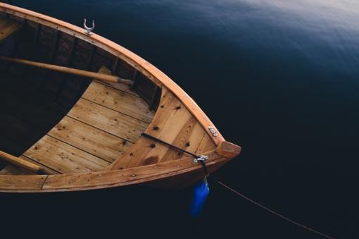 Molėtų rajone iš sodybos pavogta valtis