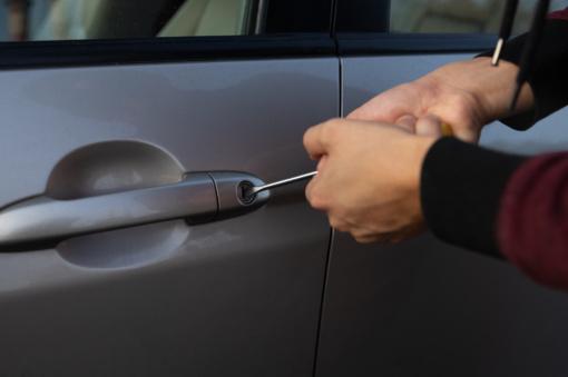 Tauragėje apvogti du automobiliai