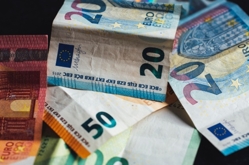 Išmintingos močiutės patarimas, kaip laikyti pinigus namuose