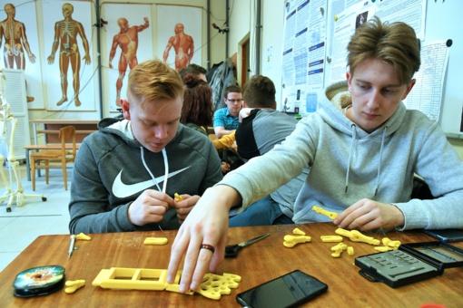 STEAM veiklos S. Šalkauskio gimnazijoje nenutrūko ir nuotolinio ugdymo metu