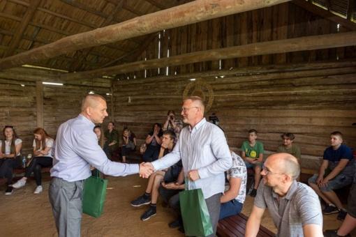 Etnografinėje Prano Dzūko sodyboje vyko seminaras apie kryždirbystę