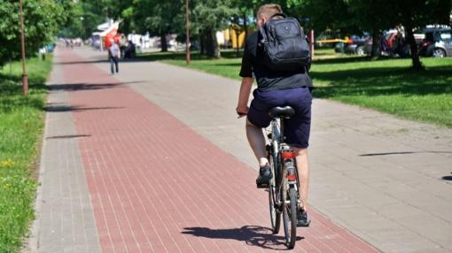 Biržų rajone susidūrė automobilis ir dviratis