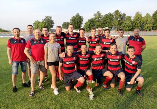 """Kybartų """"Sveikatos"""" futbolininkų rankose – pirmasis sezono trofėjus"""