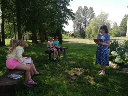 Svirkų kaimo bibliotekoje prasidėjo vasaros skaitymai