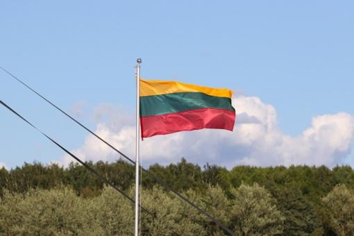 """Liepos 6-ąją šiauliečiai kviečiami švęsti vieningai: laukia kino filmai, koncertai ir """"Tautiškos giesmės"""" giedojimas"""