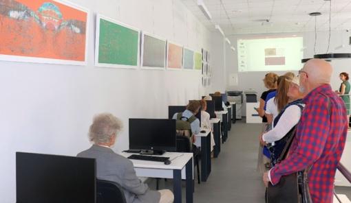 """Audriaus V. Plioplio kūrybos paroda """"Atminties gijos"""" Lentvario bibliotekoje"""