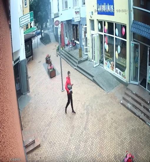 Alytaus policija prašo atpažinti asmenį (vaizdo įrašas)