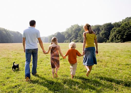 """Du mamos paliktus mažylius globojantys druskininkiečiai: """"Tik atsiradus vaikams tapome tikra šeima"""""""