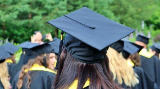 Dalis kolegijų šiemet nuleido kartelę stojantiems į mokamas vietas