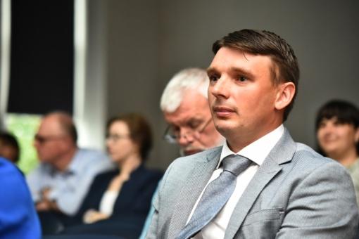 Panevėžio rajono savivaldybės administracijos direktorius turi naują pavaduotoją: opozicija pasipiktino algos dydžiu