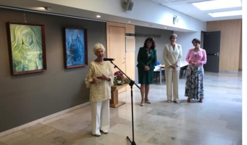 Seime atidaryta Tauragės garbės pilietės Juzefos Bružienės tapybos darbų paroda