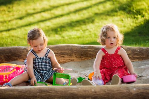Smėlis – mažiesiems ne tik pramoga, bet ir pavojus