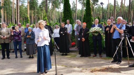 Ukmergės rajone nusilenkta tremtį patyrusių ir joje žuvusiųjų atminimui
