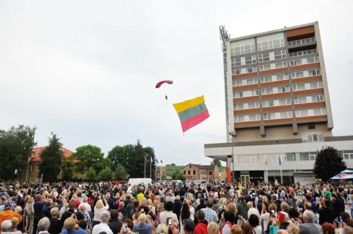 Marijampolėje šventiškai ir tautiškai minėta Valstybės diena
