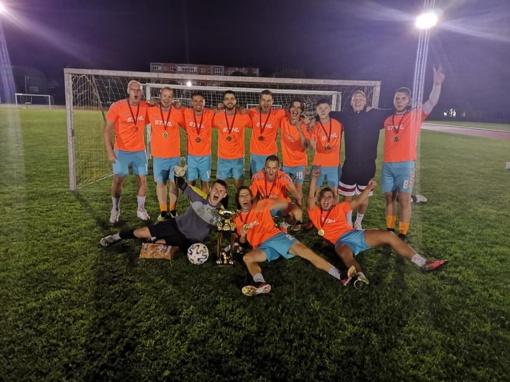 Naktinio futbolo turnyro Radviliškyje čempionai – komanda iš Vilkaviškio
