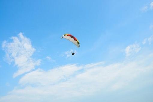 Skrydis parašiutu Neringoje baigėsi tragedija