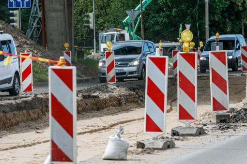 Skaitytojai kritikuoja kelininkus: situacija po tvarkomu Kleboniškio tiltu – tragiška