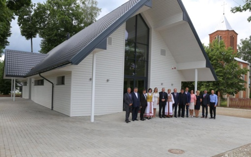Naujieji Zapyškio bendruomenės namai nudžiugino ir vyskupą