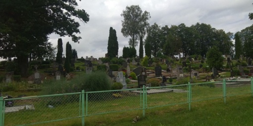 Pernaravoje įsisuko kapų plėšikai