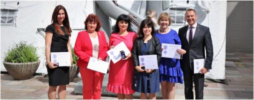 Iš Sveikatos apsaugos ministro rankų – apdovanojimai su COVID-19 kovojusiems medikams