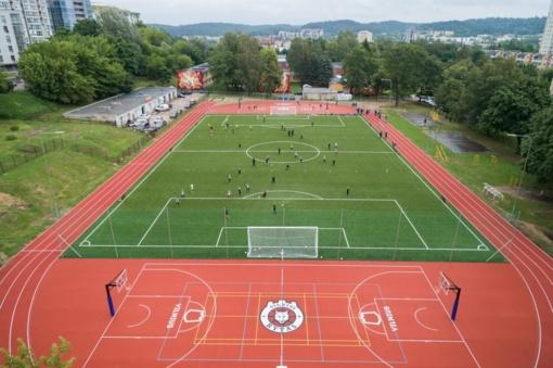 Atgimė J. Lelevelio gimnazijos stadionas – jau 3-iasis sostinėje šią vasarą