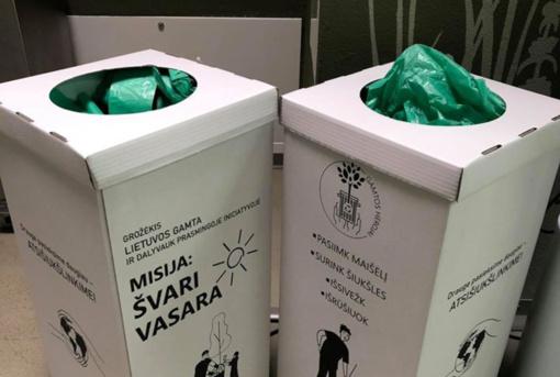 Saugomų teritorijų lankytojai raginami rinkti šiukšles, siūlomi specialūs maišeliai
